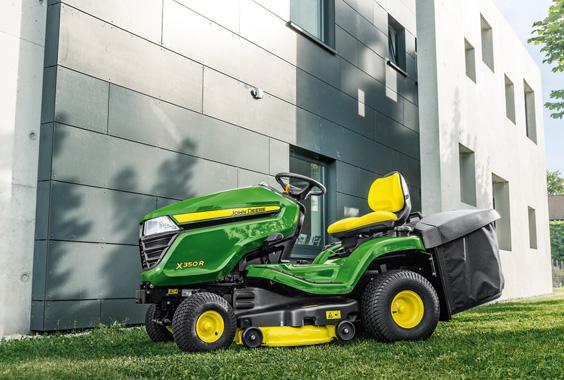John Deere X350R 107cm 300L - zahradní traktor s košem JOHN DEERE® BM26345 L-11
