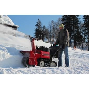 Honda HSM 1380i ETD hybridní sněhová pásová fréza